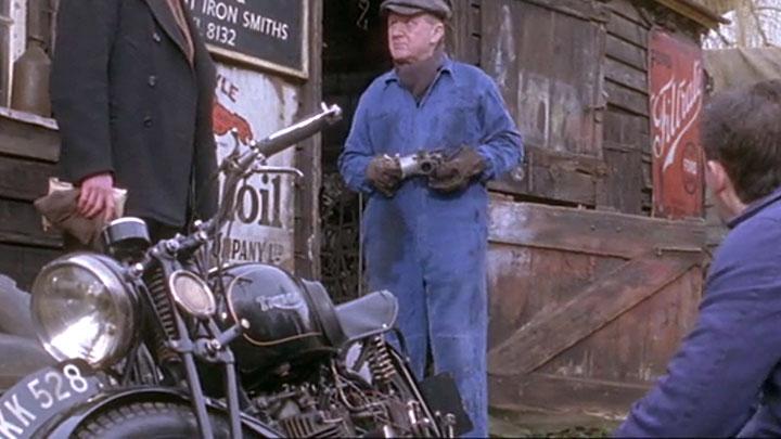motorcycle-triumph-1